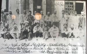 اسرای کودتای محمد علی شاه در باغشاه. این عکس در خانه مشروطه تبریز موجود است.